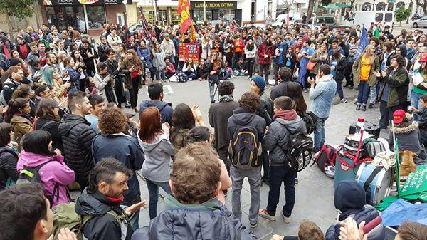 Las y los Estudiantes Vuelven a Dar Cátedra