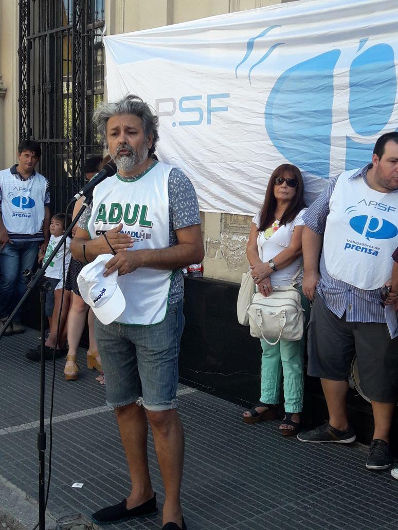 Adul Resistiendo los Despidos en Radio Nacional